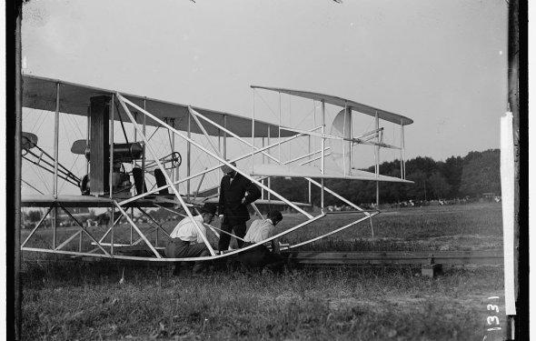 Первый в мире самолёт был